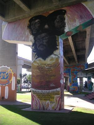 Che painting in Chicano Park