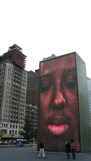 Face screens at Millenium Park