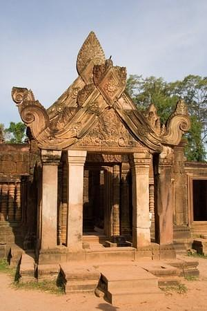 Banteay Srey entrance