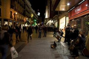 Night musicians in the Sol area