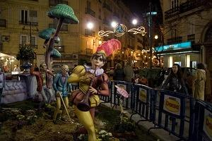Falla people and pedestrians