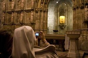 Taking photos of the Holy Chalice of Valencia