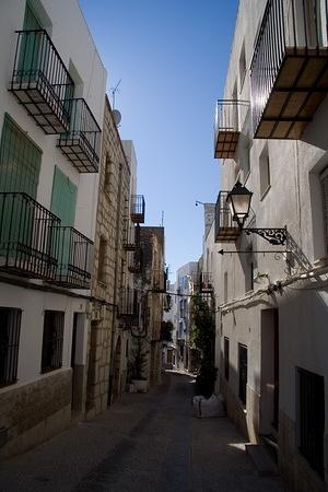 Narrow streets of old Peñíscola