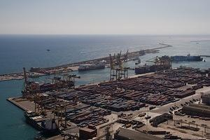 Barcelona's busy shipping port