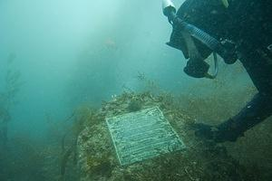 Randi reading the Cousteau memorial