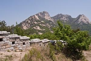 Wall along the peak