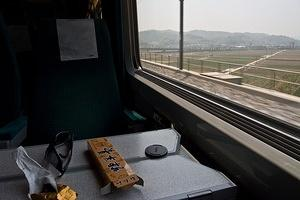 Traveling on the KTX at 300kph