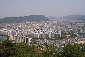 Looking down on Gimhae Hanguk Apartments