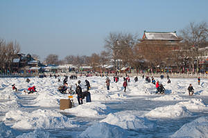 Enjoying the ice on Houhai Lake