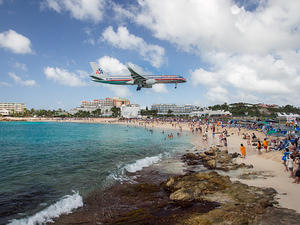 American Airlines landing at Maho beach, SXM