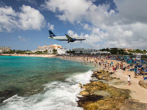 JetBlue landing at SXM, Maho beach