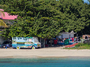 Painted van, Saint Martin