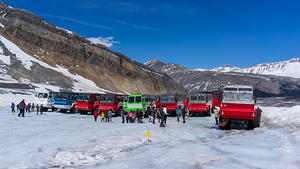 Columbia Icefields parking lot