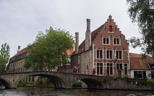 Bruges bridge walks